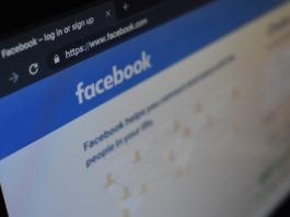 Online giants pledge to tackle fake online reviews
